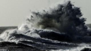 As previsões de forte agitação marítima levaram  a capitania do Porto do Funchal a emitir um aviso, recomendando que as embarcações permaneçam nos portos de abrigo