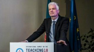 Andreas Schleicher, director de Educação e Competências da OCDE, esteve no arranque da Cimeira Internacional da Carreira Docente