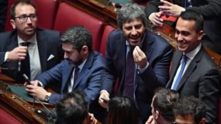 Fico e Di Maio durante a votação na Câmara dos Deputados