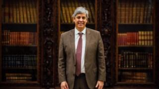 Mário Centeno é acusado de paralisar o Governo