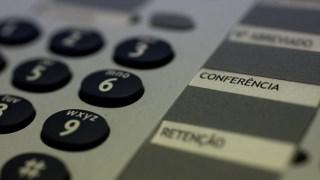 Os consumidores acabam por ser afectados por estas tarifas sobretudo em chamadas longas, diz a Provedoria de Justiça