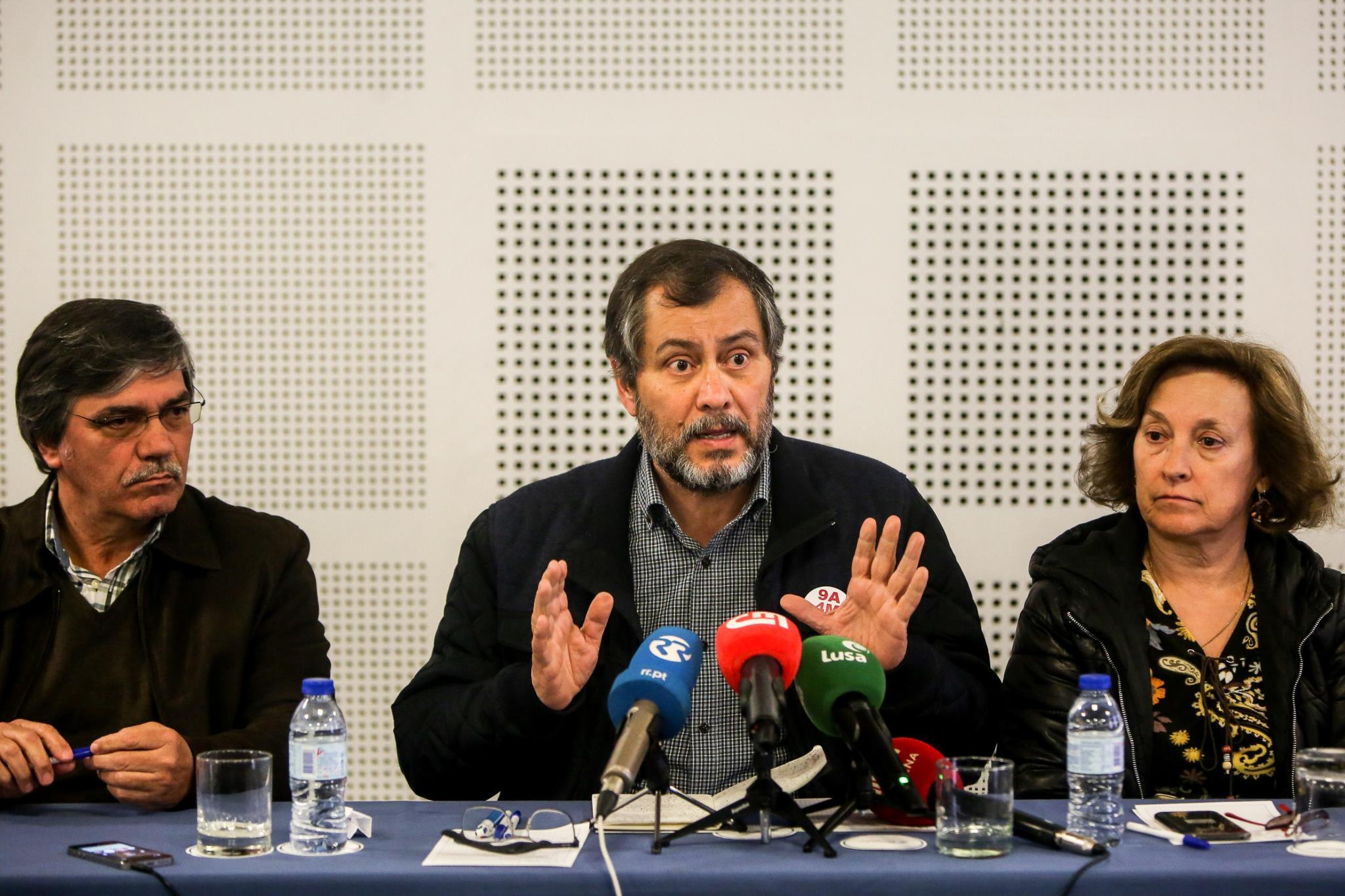 Resultado de imagem para Sindicatos dos professores anunciam manifestação nacional para 19 de maio