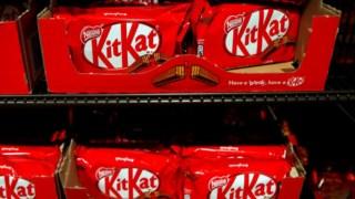 O chocolate KitKat pertence, desde 1988, à empresa suíça do sector alimentar Nestlé