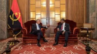 Marcelo Rebelo de Sousa e João Lourenço, em Luanda, no dia da tomada de posse do Presidente angolano