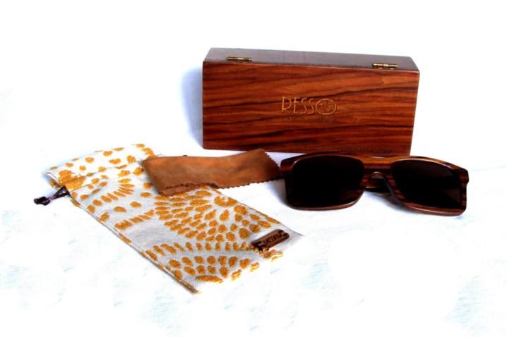2b1c105e894f6 Estes óculos de madeira são fabricados em Barcelos   Artesanato ...