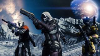 Na ficção de Destiny, o jogador é um Guardião ressuscitado na última cidade da Terra, daqui a 700 anos