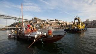 A barca saiu para o mar no domingo, após uma tarde de festa Adriano Miranda
