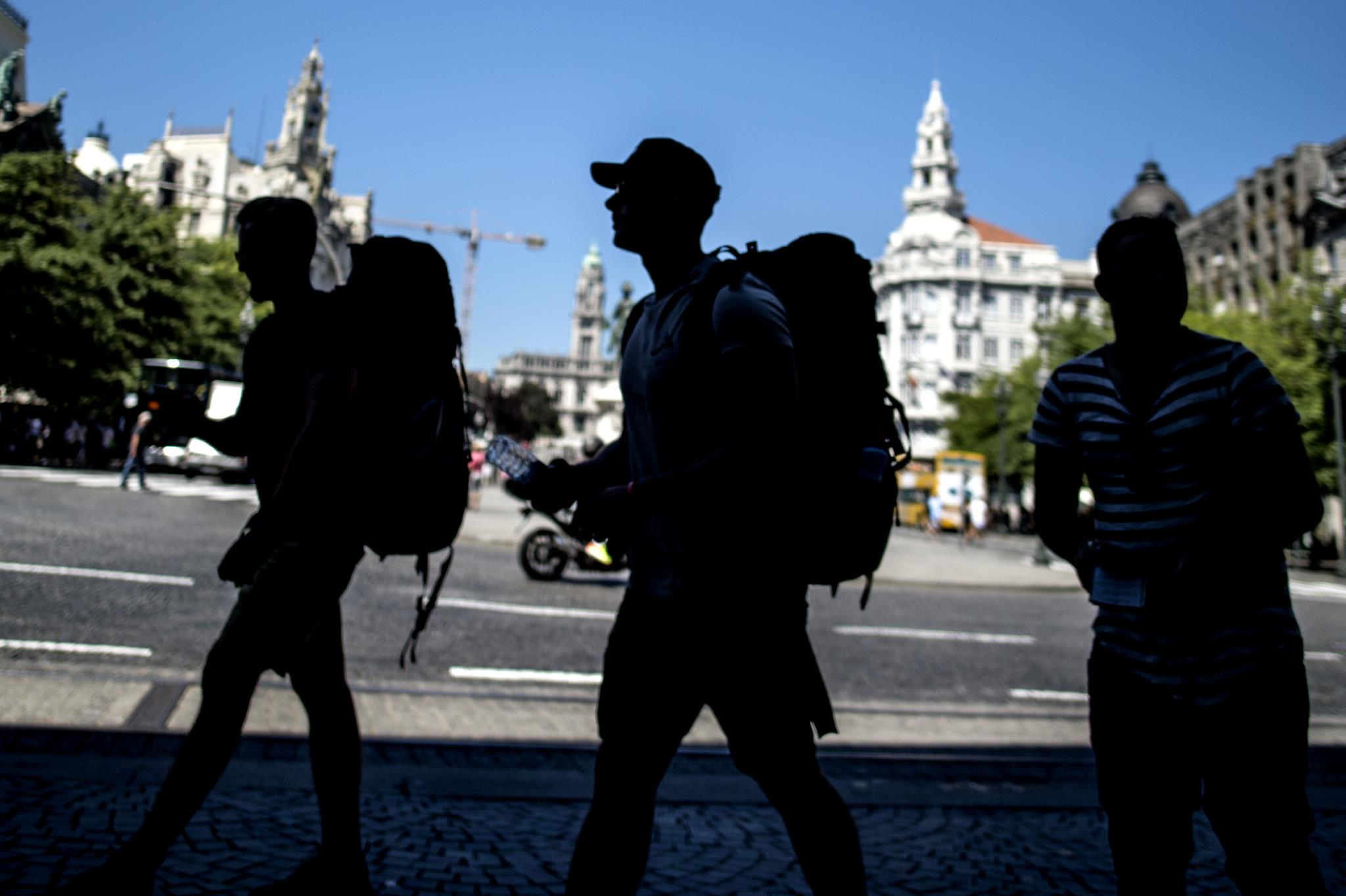 Resultado de imagem para Portugal é dos países da UE onde jovens vivem até mais tarde com os pais