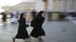 """O Vaticano aconselha as freiras a usar as redes sociais """"com discrição e sobriedade"""""""