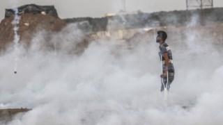 Mais de cem palestinianos ficaram feridos na zona de separação entre a Faixa de Gaza e Israel