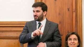 Ministro tem insistido que a adesão ao projecto de flexibilidade é voluntária