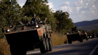 O Exército foi enviado para desimpedir as estradas