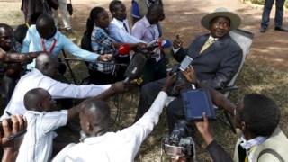 O Presidente Museveni apelou a que o Governo avançasse com a taxa
