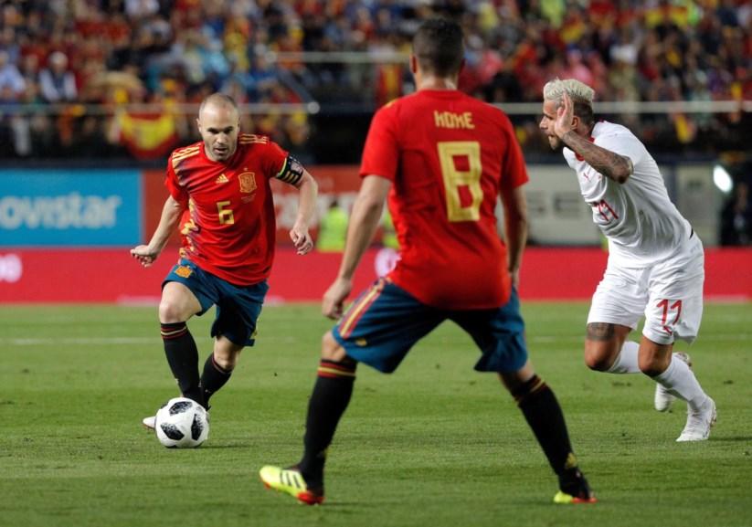 Espanha deixa-se empatar com a Suíça  714cb69afb4f0