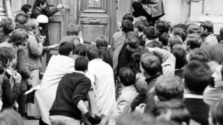 Maio de 1968 eventos na França, Street, Charles de Gaulle