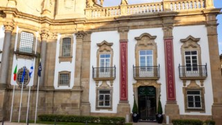Janela, Palácio