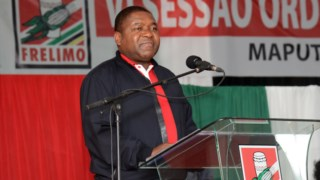 O Presidente Filipe Nyusi discursa durante a reunião do comité central da Frelimo
