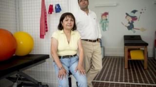 Teresa fraga, enfermeira e presidente da associação Nomeiodonada e José Couceiro Costa, voluntário