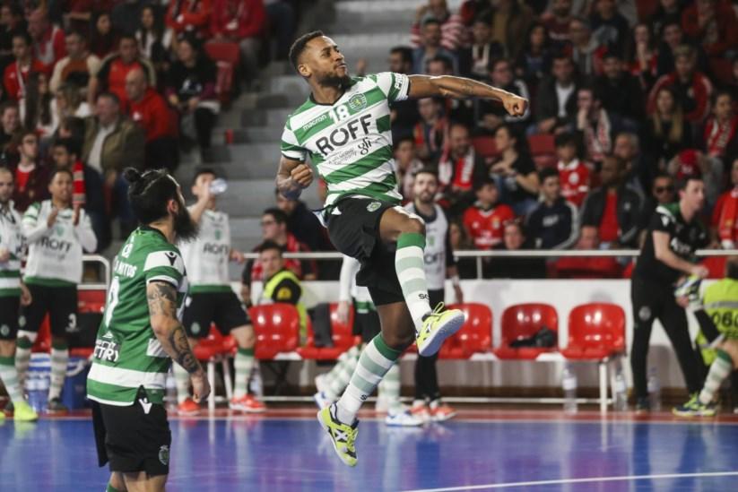 ae218ebed9 Sporting vence Benfica no primeiro jogo da final do campeonato de ...