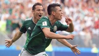 Lozano festeja o seu golo