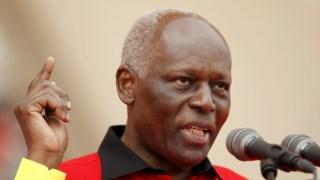 José Eduardo dos Santos, Luanda, Presidente de Angola