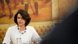 A deputada do PSD Teresa Morais, que foi a relatora da petição, defenedeu uma intervenção mais activa por parte do Parlamento