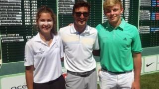 José Ferreira entre Filipa Capelo e Calvin Holmes, durante o Ocêanico World Kids Golf no Amendoeira Resort