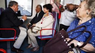 António Costa um comboio da CP