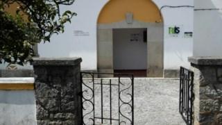 Homem foi encontrado numa rua isolada da vila