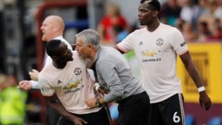Mourinho dá as últimas instruções a Bailly