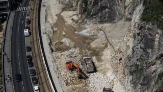 Continua a polémica em torno das construções na escarpa junto à Ponte da Arrábida
