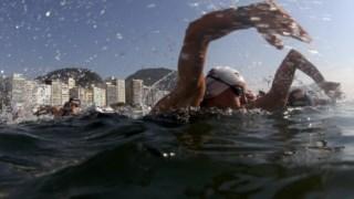 Nadar depressa conta como actividade intensa