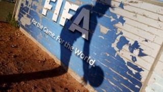 A FIFA vai mudar as regras das transferências dos jogadores