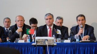 Vasco Cordeiro quer assento no Conselho de Ministros