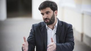 Ministro foi ao parlamento para um debate sobre o início do ano lectivo