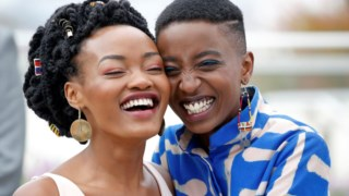 As protagonistas de <i>Rafiki</i>, Sheila Munyiva e Samantha Mugatsia