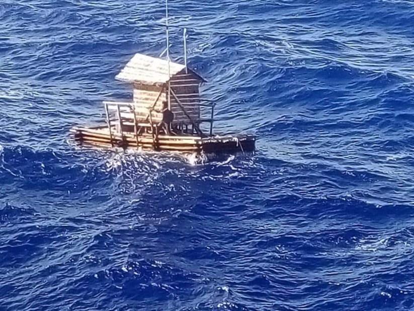 Aldi o adolescente que passou 49 dias deriva pelo mar indonsia fotografia tirada momentos antes de aldi ser resgatado stopboris Gallery
