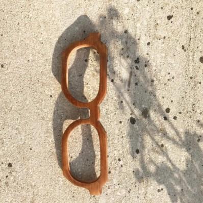 0f4503f1be154 Pai e filha usam madeiras em fim de vida para criar óculos de sol ...