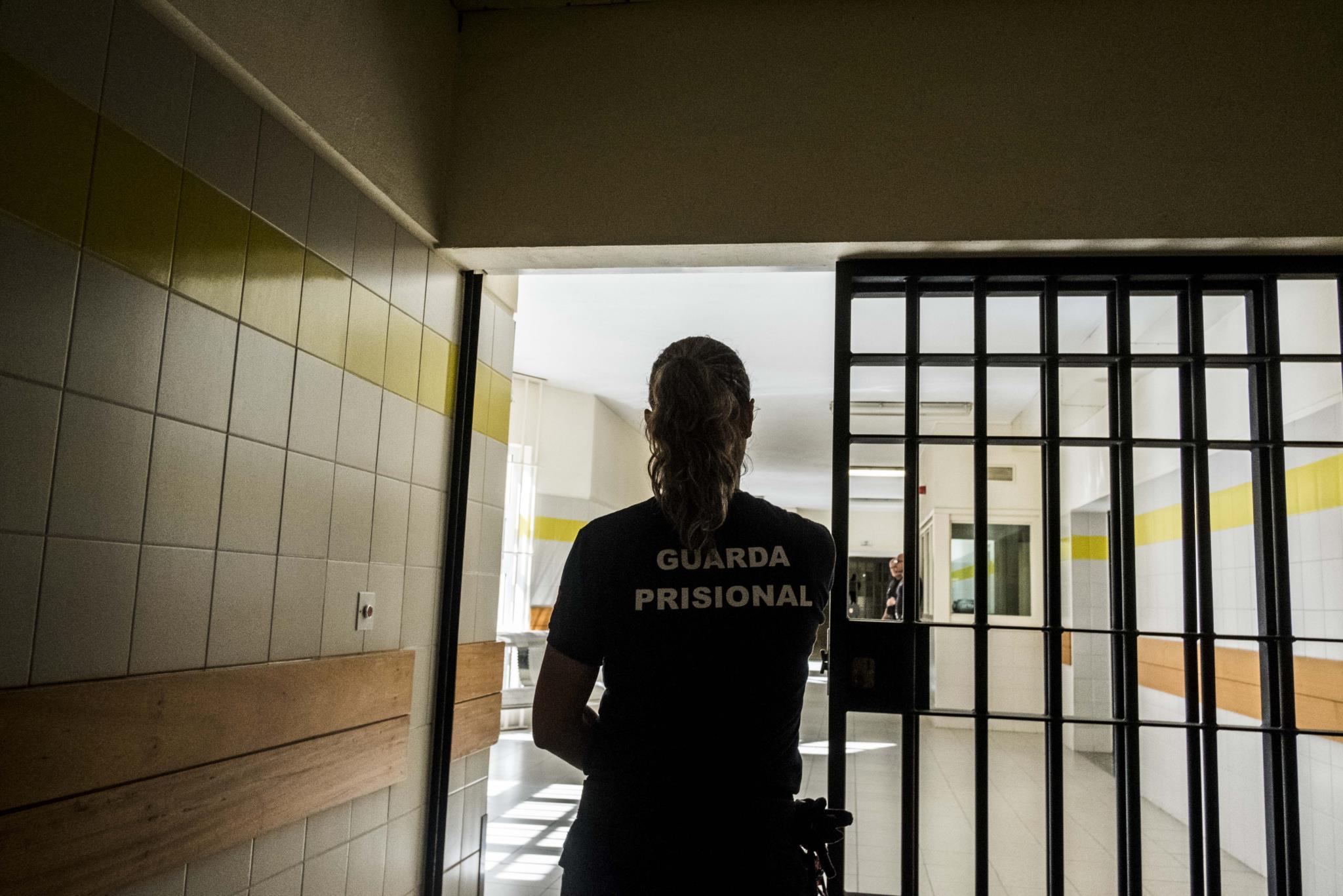 Ministra diz que melhorar prisões é essencial para manter dignidade dos reclusos