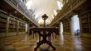A biblioteca é uma das jóias do Palácio Nacional de Mafra