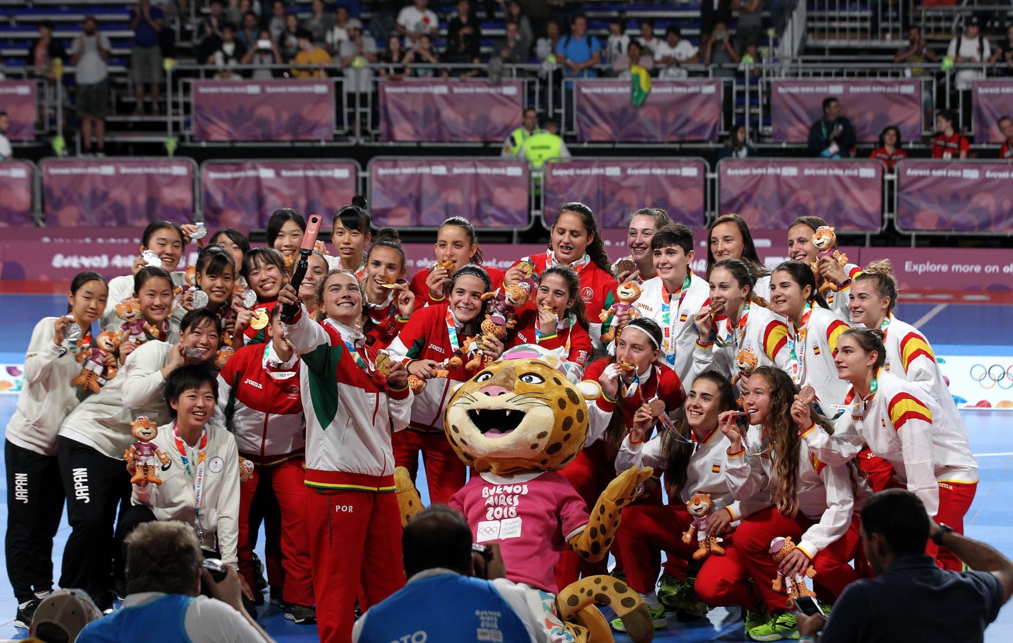 Selecção feminina de futsal conquista ouro nos Jogos Olímpicos da Juventude   a613ece4f62f1