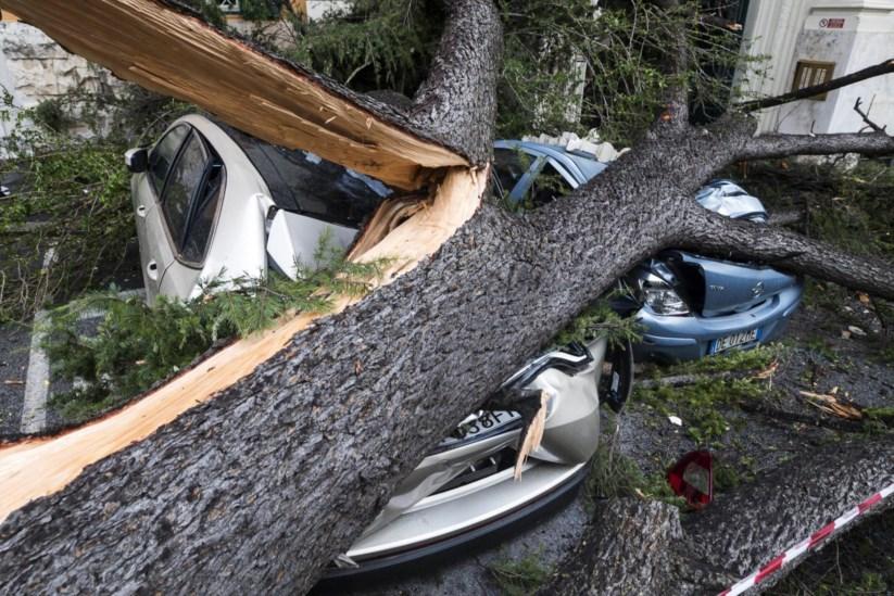 Resultado de imagem para tempestade na italia