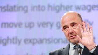 O comissário Pierre Moscovici na apresentação das previsões de Outono em Bruxelas