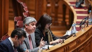 Teresa Leal Coelho, do PSD, gere as votações