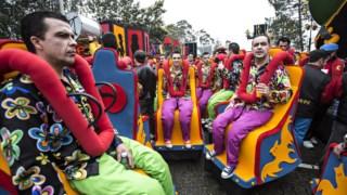 Em média são gastos 100 mil copos de plástico em cinco dias de festa no Carnaval de Ovar