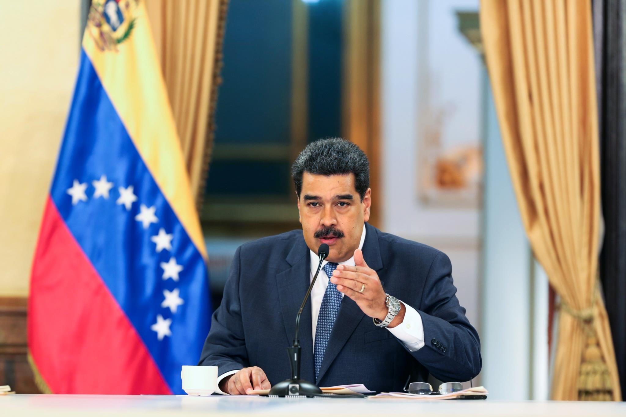 O salário mínimo será aumentado em 150%, anunciou Maduro