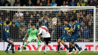 Quintero dispara para o 2-1 do River Plate