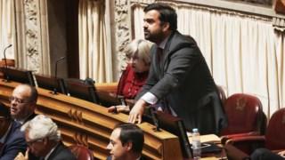 """Duarte Marques acusa ministro de """"destratar bombeiros"""""""
