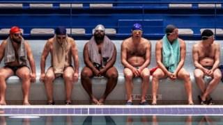 Multiplicando os homens deprimidos multiplica-se a diversão, cuidando de cada personagem