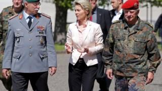 A ministra da Defesa, Ursula von der Leyen, tem anunciado várias medidas mas os problemas nas Forças Armadas são estruturais